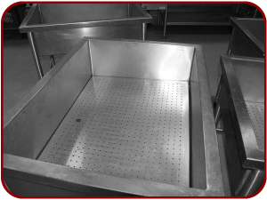 Trough with trivet